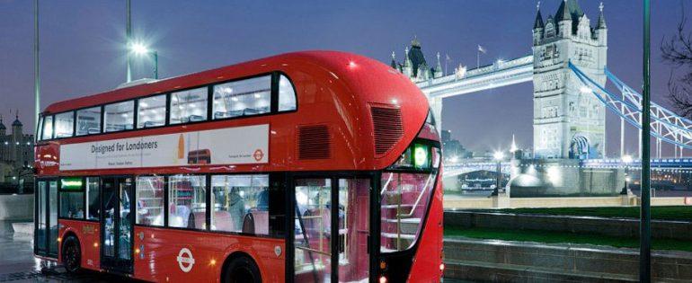 Зачем англичане покрасили автобусы и телефонные будки в красный цвет